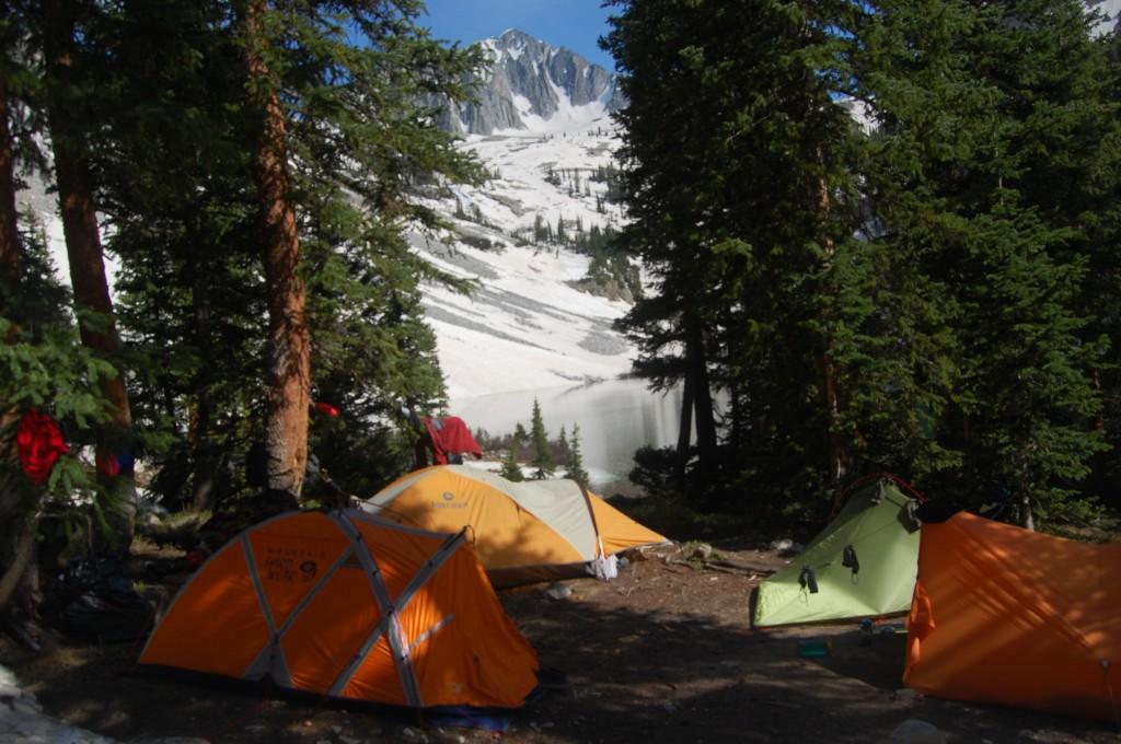 Лагерь на берегу озера Эвэлэнч.