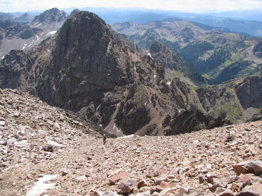 Выход на вершину горы Пауэлл. На заднем плане пик С