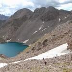 Спуск с пика D: подход к Безымянному озеру