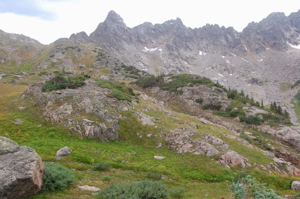 Вид на перевал Граппел (слева) из верховий долины реки Катаракт