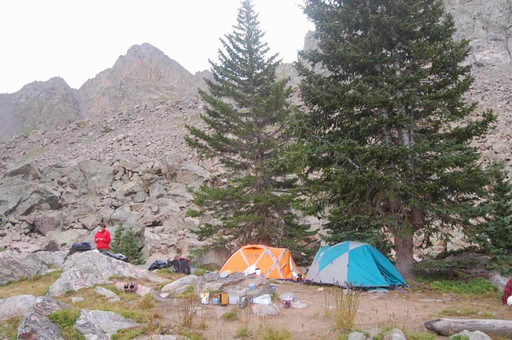 Лагерь на верхней границе леса с западной стороны горы Пауэлл