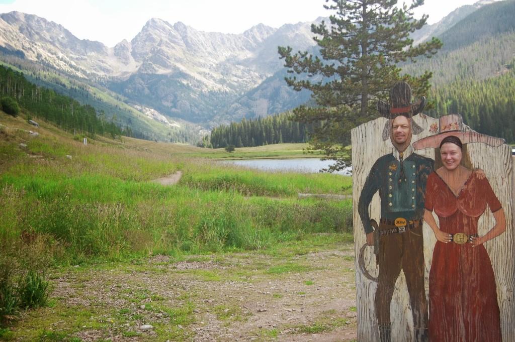 В ранчо на озере Пайни; слева гора Пауэлл, перевал Нинокер и пик С