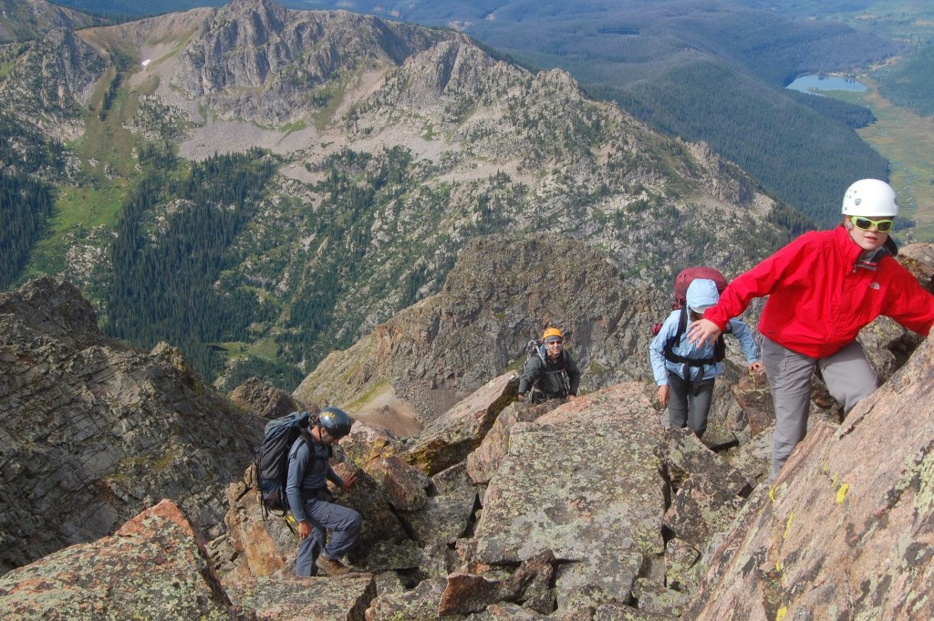 Подъём на вершину пика D по гребню с севера