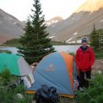 Даша в лагере на озере Навахо.