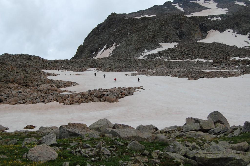 Спуск с горы Вилсон (справа).