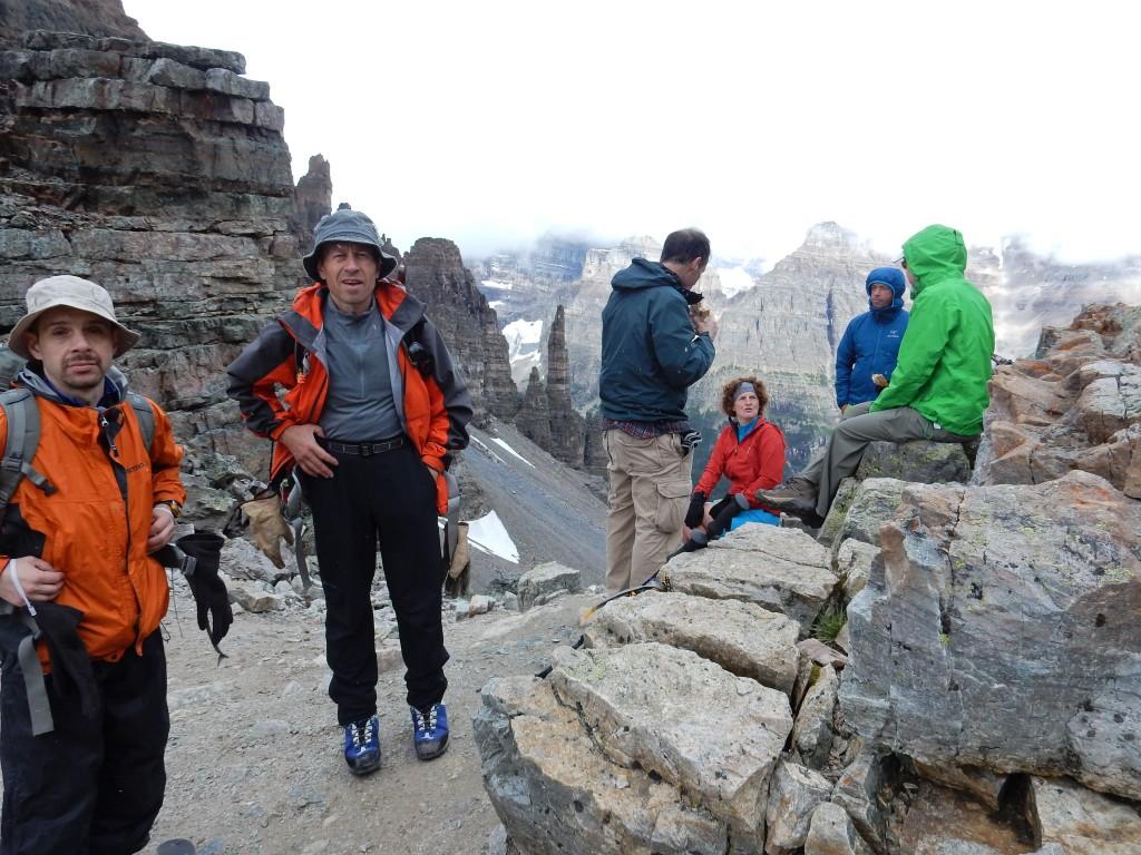 Игорь Слепчин и Юлик на перевале Сентинел, вид на север.